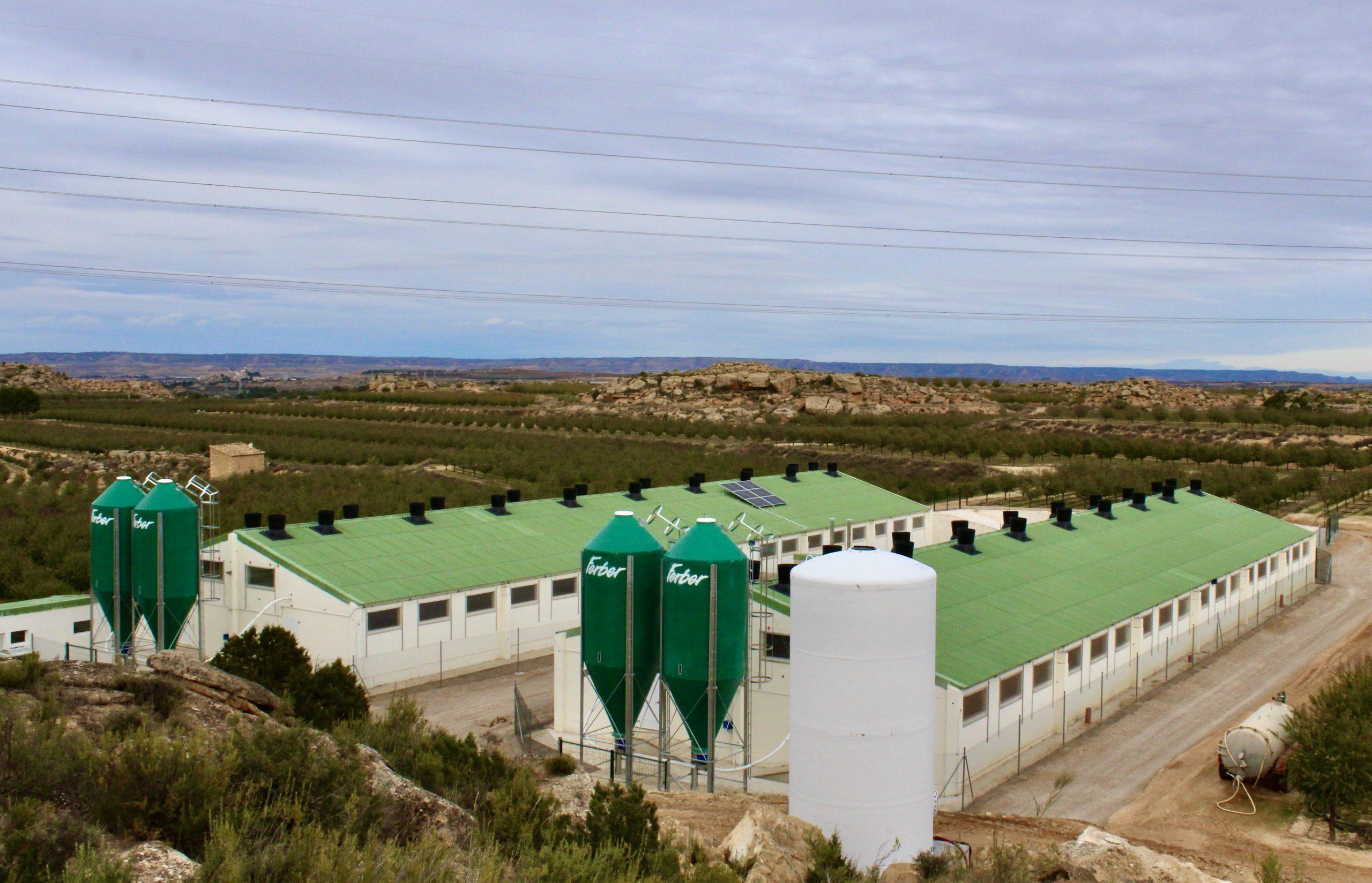 instalación solar granja